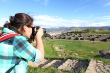 Andrea explores Saqsaywaman with her camera. (Photo: J.Lambert)